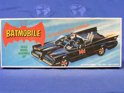 batmobile-collectors-edition-plastic-model-kit-polar-lights-PLS822