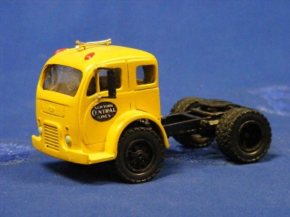 white-3000-tractor-new-york-central-tilt-cab-truck-city-toys-TCTW01