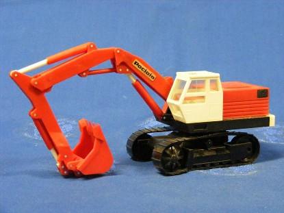 poclain-lc80-track-excavator-poclain-cut-out-bourbon-BOU09