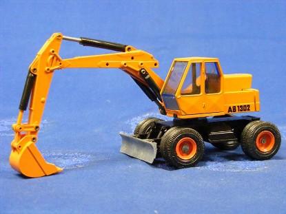 atlas-ab1302-wheel-excavator-conrad-CON2901.1