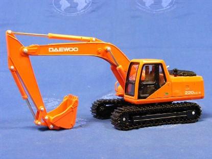 daewoo-solar-220lc-v-track-excavator-asia-models-AMP020