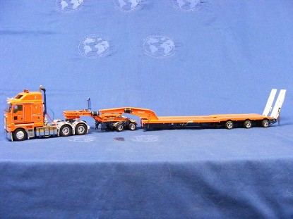 kw200-drake-lowboy-drake-orange-blue-drake-collectibles-DRKT09014A