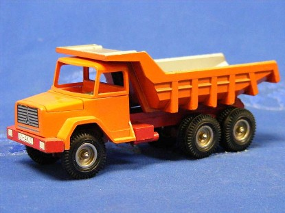 magirus-deutz-2332-d22-dump-truck-opening-hood-nzg-NZG117.1