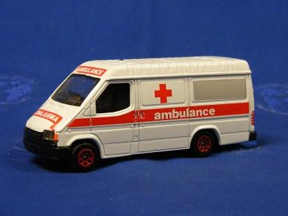 ford-transit-van-ambulance-corgi-COR656.3