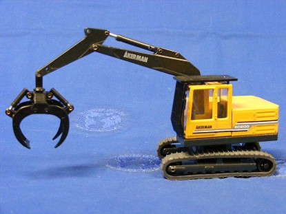 akerman-ec200-with-log-grapple-cab-guard-customized-CUS34A