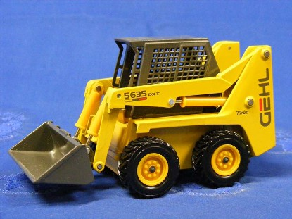 gehl-5635-skid-loader-die-cast-promotions-DCP40011