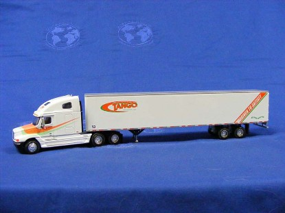 freightliner-semi-box-van-tango-transport-hartoy-HARM75027