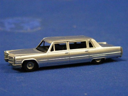 cadillac-limousine-revell-REV2803
