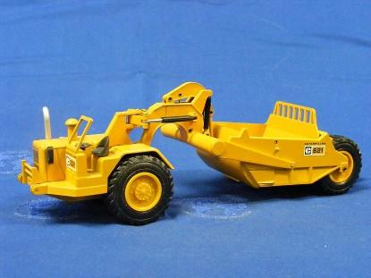 caterpillar-621-scraper-old-color-raised-hubs-nzg-NZG122.4