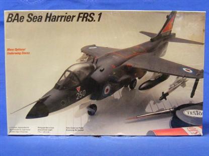 sea-harrier-frs1-jet-fighter-kit-testors-TES367