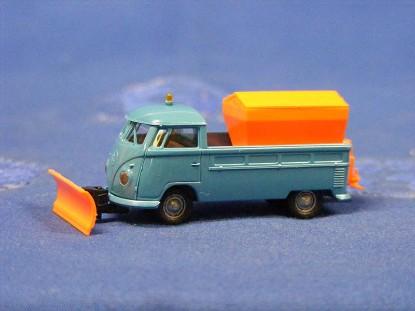 vw-truck-with-plow-sander-brekina-BRE32924