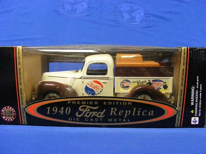 1940-ford-delivery-truck-pepsi-cola-white-golden-wheel-GOW35901.2
