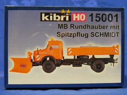 mercedes-benz-truck-with-snow-plow-kibri-KIB15001