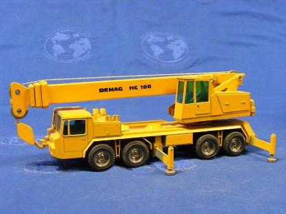 demag-hc100-truck-crane-metal-wheel-version-nzg-NZG123.1