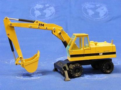 caterpillar-224-wheel-excavator-old-cab-new-color-nzg-NZG259.1