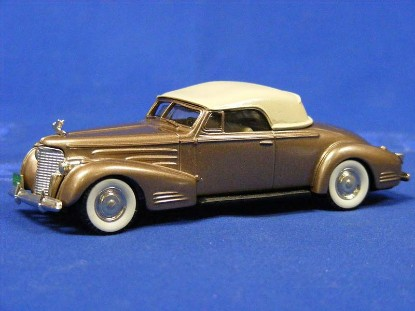 1940-cadillac-v16-convertible-coupe-brooklin-BRK14