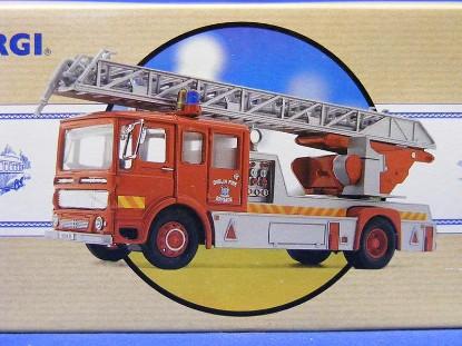 aec-ladder-fire-truck--dublin-corgi-COR97353