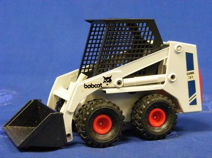 bobcat-clark-741-skid-steer-gama-GAM9420-741