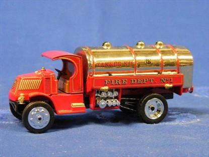 1923-mack-ac-water-tanker-matchbox-yesteryear-MATYFE11-M