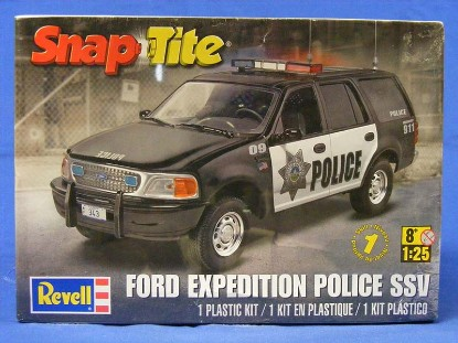 ford-expedition-police-ssv-revell-REV85-1972