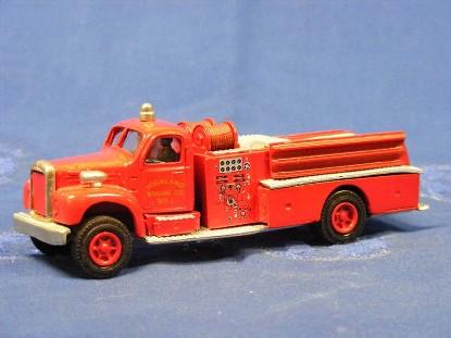 mack-b-fire-pumper-closed-cab-cornwall-dehanes-models-DMC300