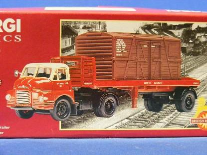 bedford-s-platform-trailer-railroad-container-corgi-COR20301