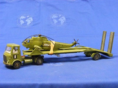 aec-lowboy-with-helicopter-military-dinky-DIN618