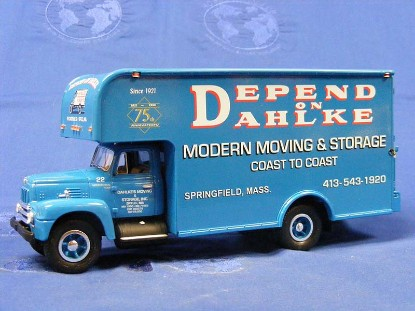 1957-ih-r-200-with-moving-van--dahlke-s-first-gear-FGC1487