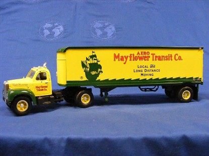 1960-b-61-mack-tractor-trailer--mayflower-transit-first-gear-FGC1532