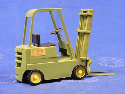 clark-forklift-green-incentives-for-industry-IFI01