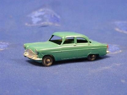 ford-zodiac-mkii-sedan-turquoise-matchbox-1-75-MAT33A-2