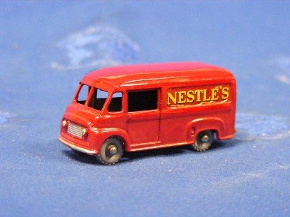 commer-30cwt-van-nestle-s-matchbox-1-75-MAT69A-3