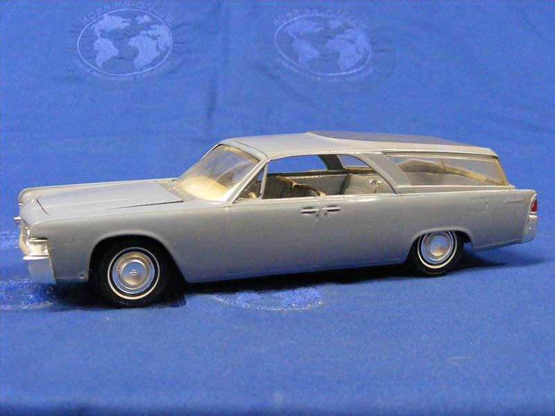 Buffalo Road Imports 1965 Lincoln Continental Wagon Car Station