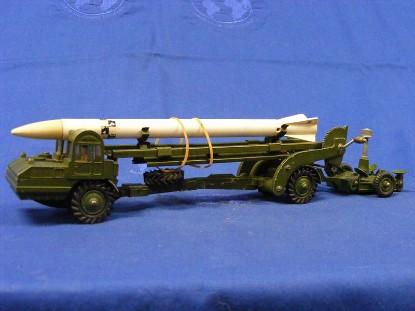 letourneau-corporal-missile-erector-dinky-DIN666
