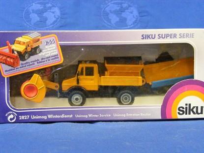 mercedes-benz-unimog-w-plow-blade-blower-siku-SIK2827