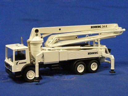 mack-schwing-kvm-34x-concrete-pumper-white-conrad-CON36106