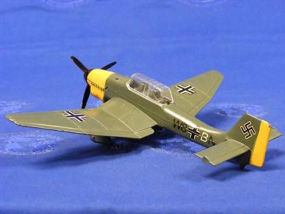junkers-ju87b-dive-bomber-dinky-DIN721