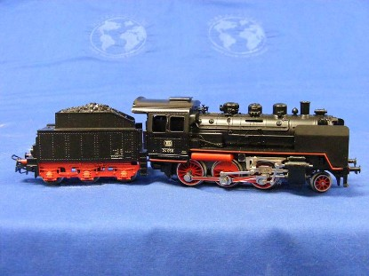 br-24-steam-locomotive-and-tender-marklin-MRK3003