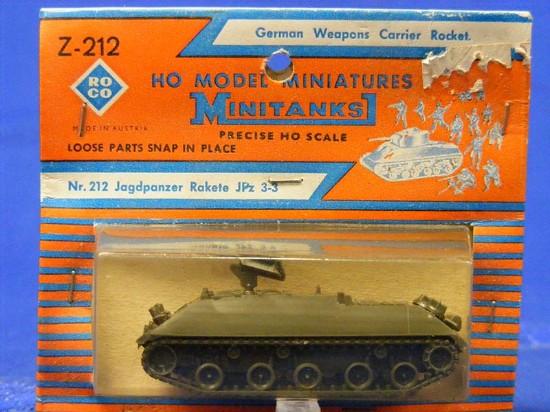 german-weapons-carrier-rocket-roco-ROC212