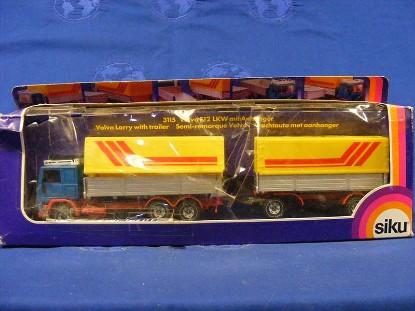 volvo-f12-truck-w-tag-trailer-siku-SIK3115.1