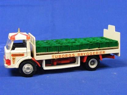 ford-d800-beer-truck-tuborgs-tekno-TEK918