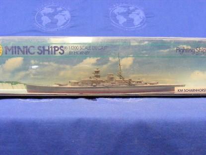 km-scharnhorst-battleship-triang-minic-ships-TMS745