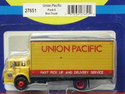 ford-c-box-truck-union-pacific-athearn-ATH27651