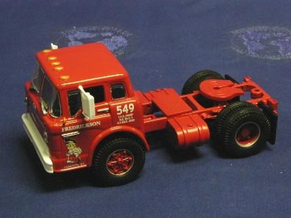 ford-c-series-tractor-fredrickson-athearn-ATH90845