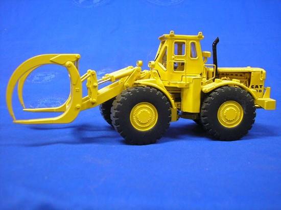 cat-988-log-loader-diecast-le-classic-construction-CCM988-LOG