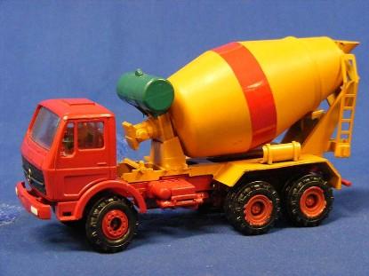 mb-stetter-concrete-mixer-red-yellow-conrad-CON3044.2