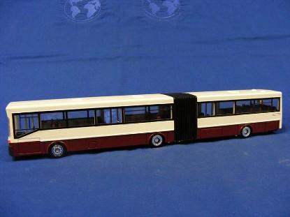 mb-bendable-bus-o-405g-red-white-conrad-CON5422