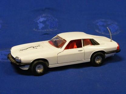 jaguar-xjs-the-saints-car-corgi-COR320