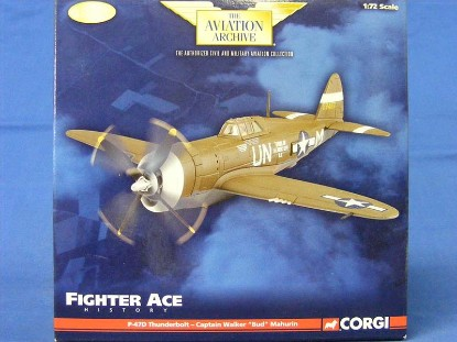 p-47d-thunderbolt-captain-walker-bud-mahurin-corgi-COR33815