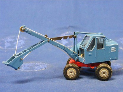 fuchs-301-wheeled-cable-shovel-blue-marklin-MRK8035B